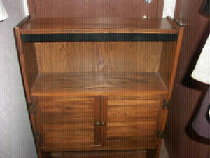 Antique-Looking Hutch