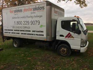 08 fuso fe 180  straight truck London Ontario image 1