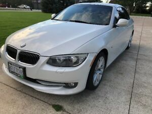 2012 BMW 328i White Cabriolet Hardtop Convertible.