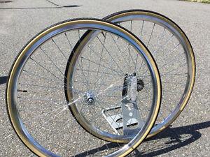 Set de roue pour velo fixie, fix gear,single speed neuf