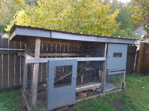 Large bunny/ chicken home