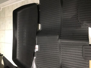 Honda Odyssey 2019 original   mud mats including the cargo, New.