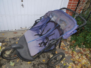 3 wheel expedition stroller for twins West Island Greater Montréal image 4