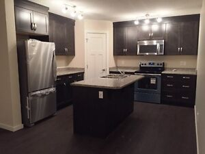Beautiful 3 Bedroom Townhouse for Rent in Clareview - Free Rent