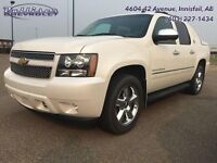 2013 Chevrolet Avalanche LTZ   - Navigation