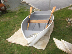 Tender / Dinghy with Oars