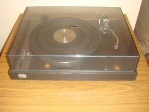 SANSUI SR-525 Direct Drive Turntable With Dust Cover
