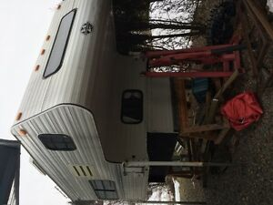 Truck camper 8 Foot 1999 S and S