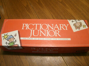 Pictionary 1st/2nd Ed,Pictionary Junior, Updated for90's Edition London Ontario image 3