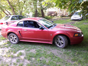 2000 Ford Mustang E-Tested