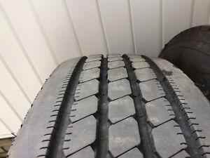 4 pneus Michelins 22.5 pour motorisé Lac-Saint-Jean Saguenay-Lac-Saint-Jean image 2