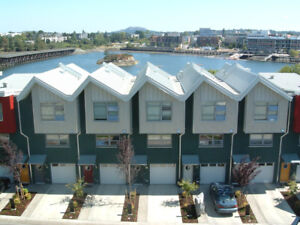Jan 1 - Contemporary 'Railyards' Waterfront Townhome
