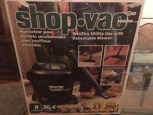 Shop vac with removable blower