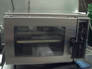 Doyon  dc03 half size tabletop convection oven 120v Kitchener / Waterloo Kitchener Area image 1