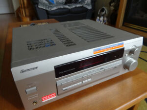 Pioneer VSX-D412-S/500W/5.1 channel/AV receiver for sale