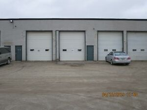 INDUSTRIAL WAREHOUSE SHOP, 14' TRUCK BAY DOORS, SECURE YARD Kitchener / Waterloo Kitchener Area image 2