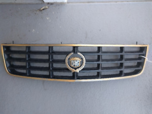 Cadillac Seville 2000 front grill