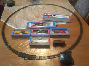 vintage model power train set and track