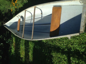 16 FOOT Fibreglass SQUARE Back Canoe!!!Not a beauty queen buttt