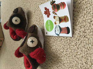 Cate & Levi handmade baby slippers size 3-12 months