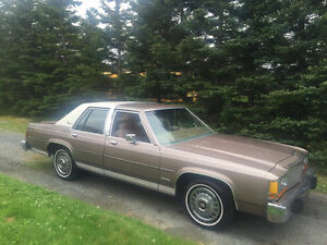 Beautiful 1982 Ford Crown Victoria