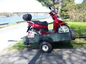 scooter sym 200 cc hd  2009  comme neuf.12,300km avec remorque