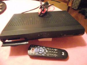 Bell ExpressVu 3100 Satelite Receiver with Remote