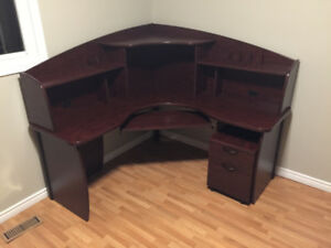 Office/Computer desk with drawers and shelves