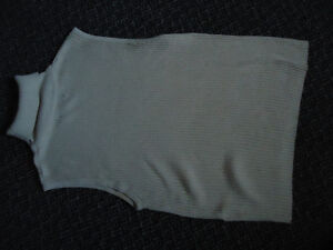 Ladies Size L/G Lightweight Knit Tank Style Turtleneck Kingston Kingston Area image 3