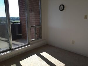 Bright and Clean Single Bedroom Unit available Immediately Belleville Belleville Area image 5