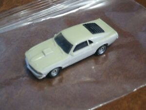 HO scale Mustang car for electric model trains