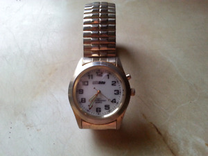 NICE MENS WATCH WITH LIGHT ON FACE