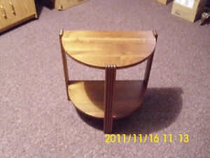 SMALL TABLE  LIKE NEW