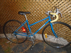 SCHWINN 12 SPEED BIKE