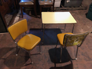 Retro Sturdy Children's Table and Chairs set