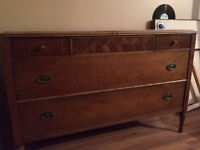 Belle commode antique