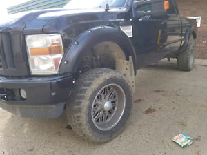 """2008 ford f 350  fx4 240 k need engine has 6"""" left kit"""