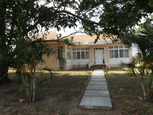 House for rent $400 Canadian dollars a month Trujillo Honduras
