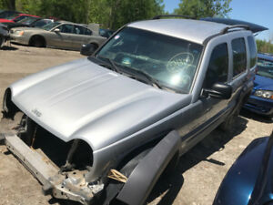 2002 Jeep Liberty ** FOR PARTS ** INSIDE & OUTSIDE **