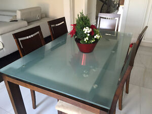 dining table and 6 chairs Oakville / Halton Region Toronto (GTA) image 1