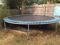 Trampoline 14ft round