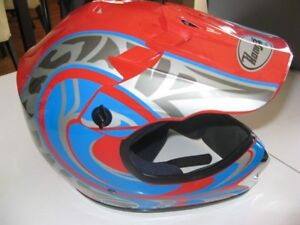 Casque Junior ou Femme de moto ,vtt ou scooter