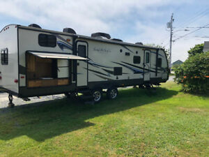 2014 trailer, 2 slides, bunkhouse and outside kitchen