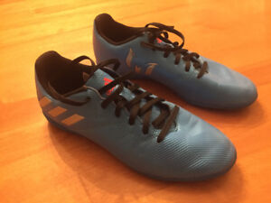 Addidas Messi 16.4 Indoor Soccer Shoes Yourh Size 5