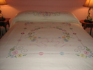 Handmade, Embroidered Bedspread Coverlet, Double Size Kitchener / Waterloo Kitchener Area image 2