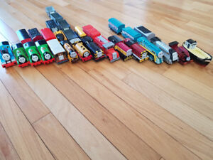 Lot of Thomas the Train original trackmaster trains and tracks