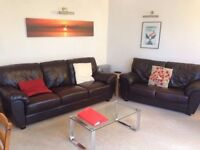 Large Double Room in a two bedroom flat (non council) £650p/m Southfields (Wandsworth Borough) SW19