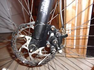 Men Oryx mountain bike, front and back disc brakes