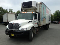 2005 INTERNATIONAL 4300 WITH  REFIGERATED 24 ft BOX