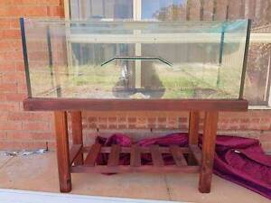 Turtle tank 4ft with stand Willaston Gawler Area Preview